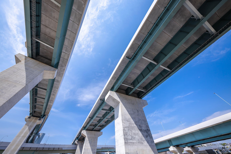 コンクリートでできた橋